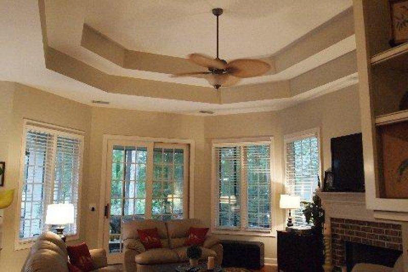 repaint-walls-ceiling-trim